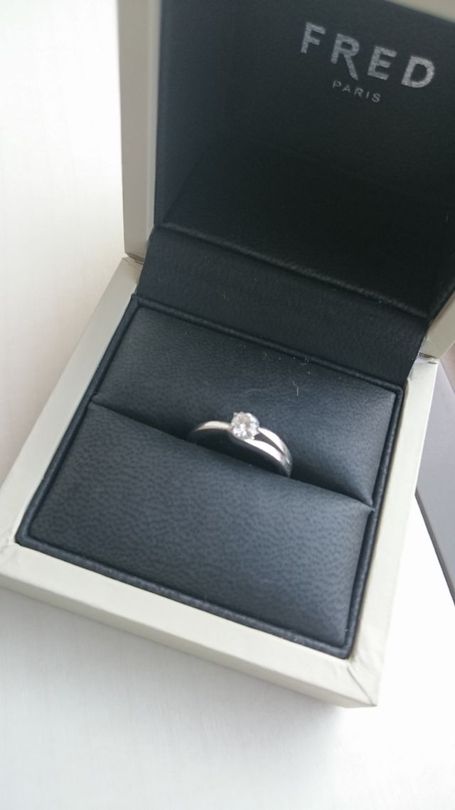 FREDの婚約指輪
