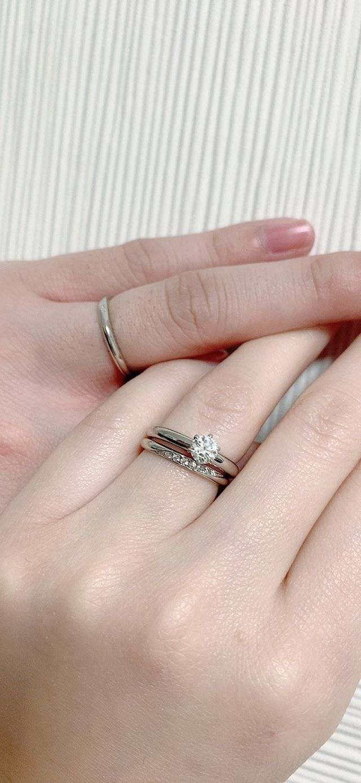 アリエルは婚約指輪と合わせてもオシャレで気に入っています!