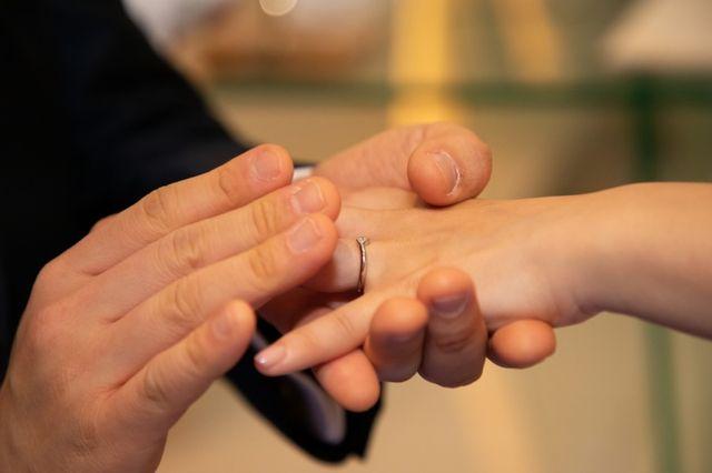 ダイアモンドは母の婚約指輪のリメイクです