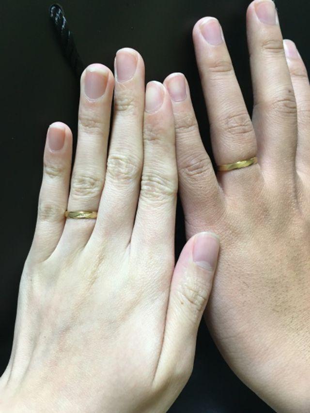 結婚指輪を身に付けました