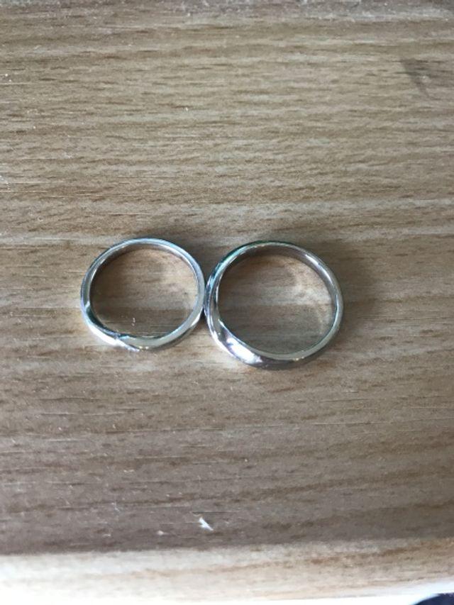 結婚指輪として購入しました。デザインが気に入っています。