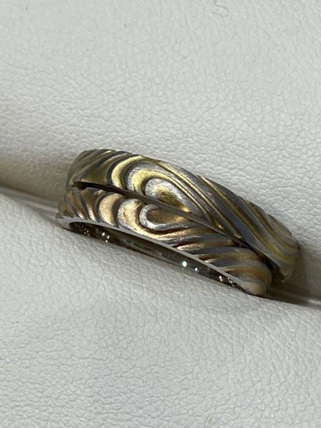 ハートの木目風のデザイン
