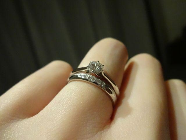 購入直後の結婚指輪との重ね付けバージョン。