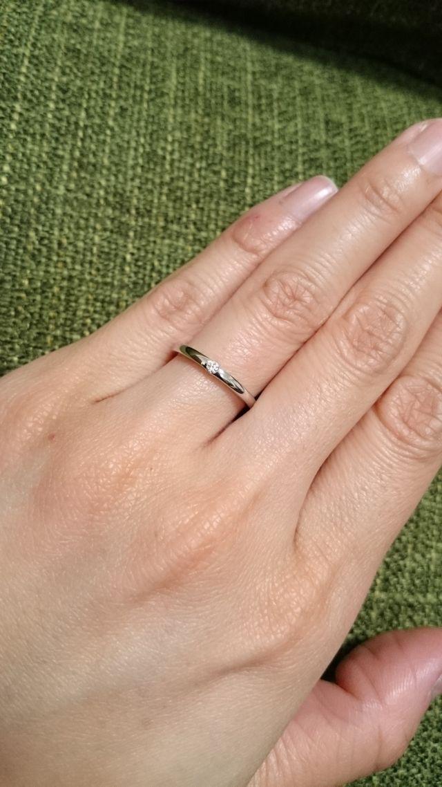 プラチナリングに1石のダイヤ、シンプルで飽きません