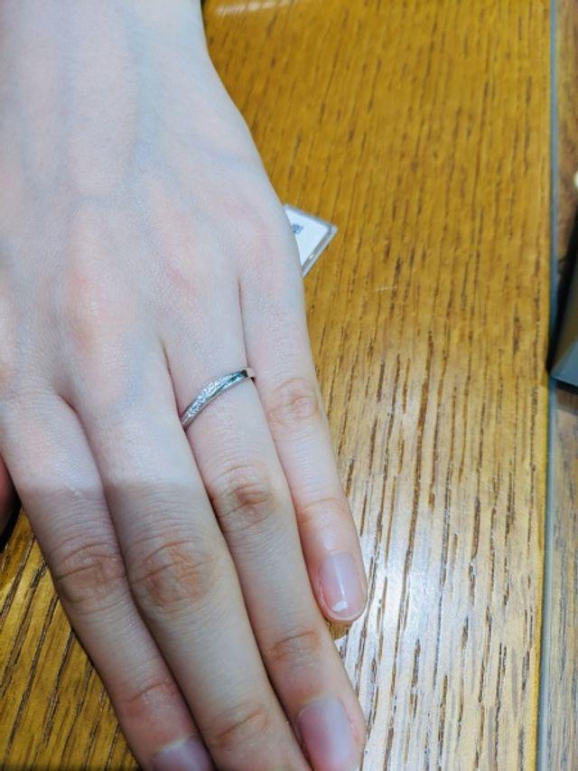 こちらもダイヤモンドの輝きが素晴らしい。