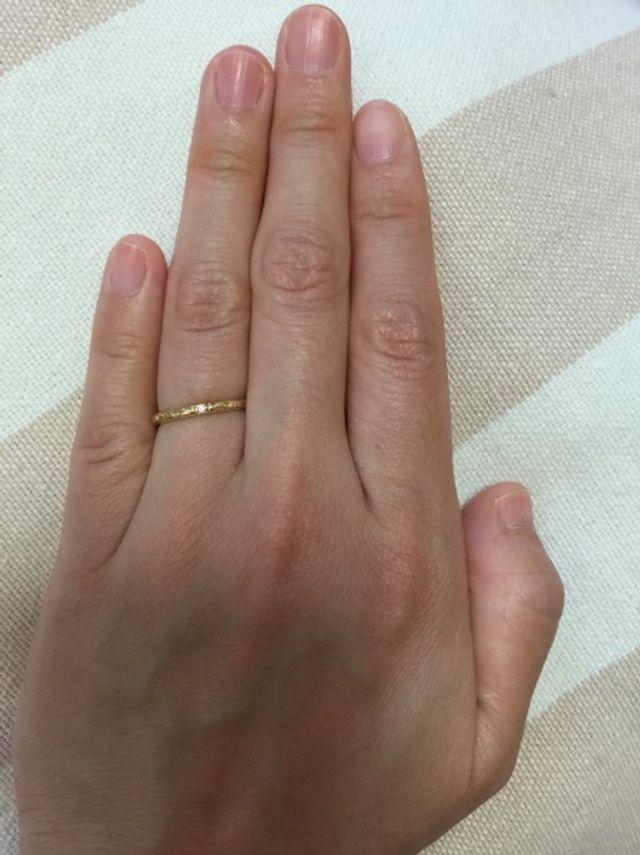 指輪を着用した感じです。