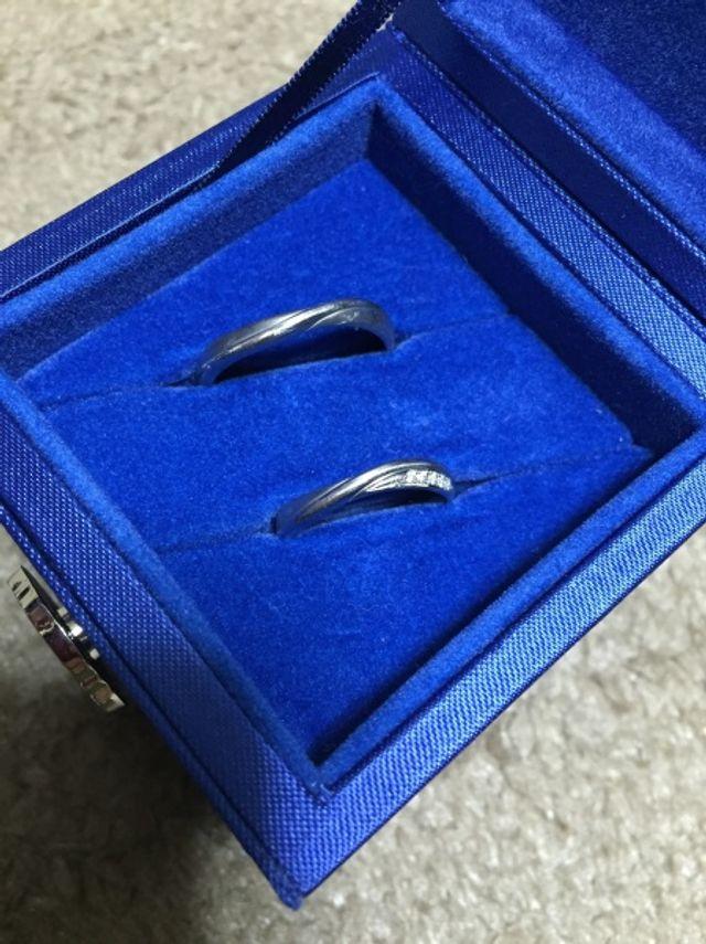 主人と私の結婚指輪です。