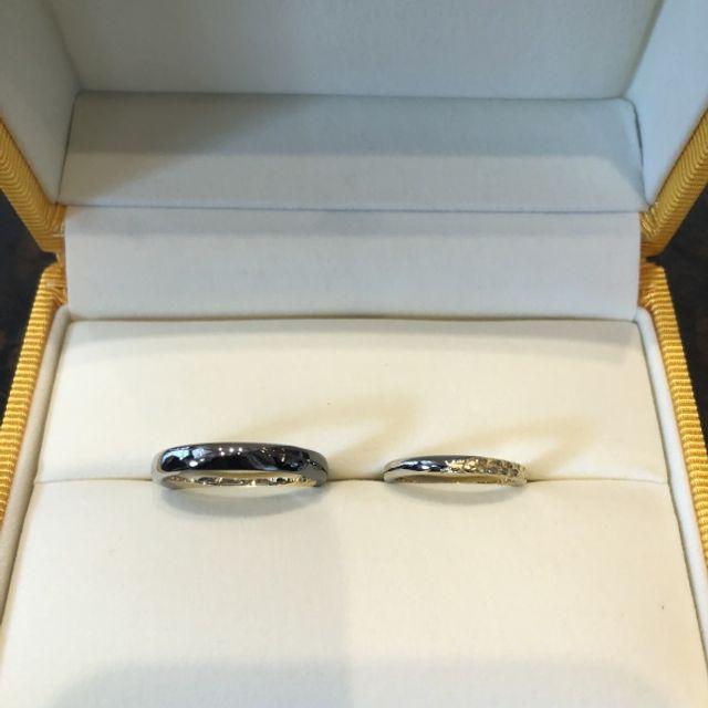 セミオーダーの結婚指輪です。