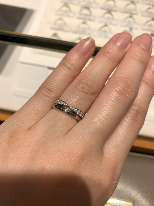 下の一石のリングを結婚指輪として購入しました!