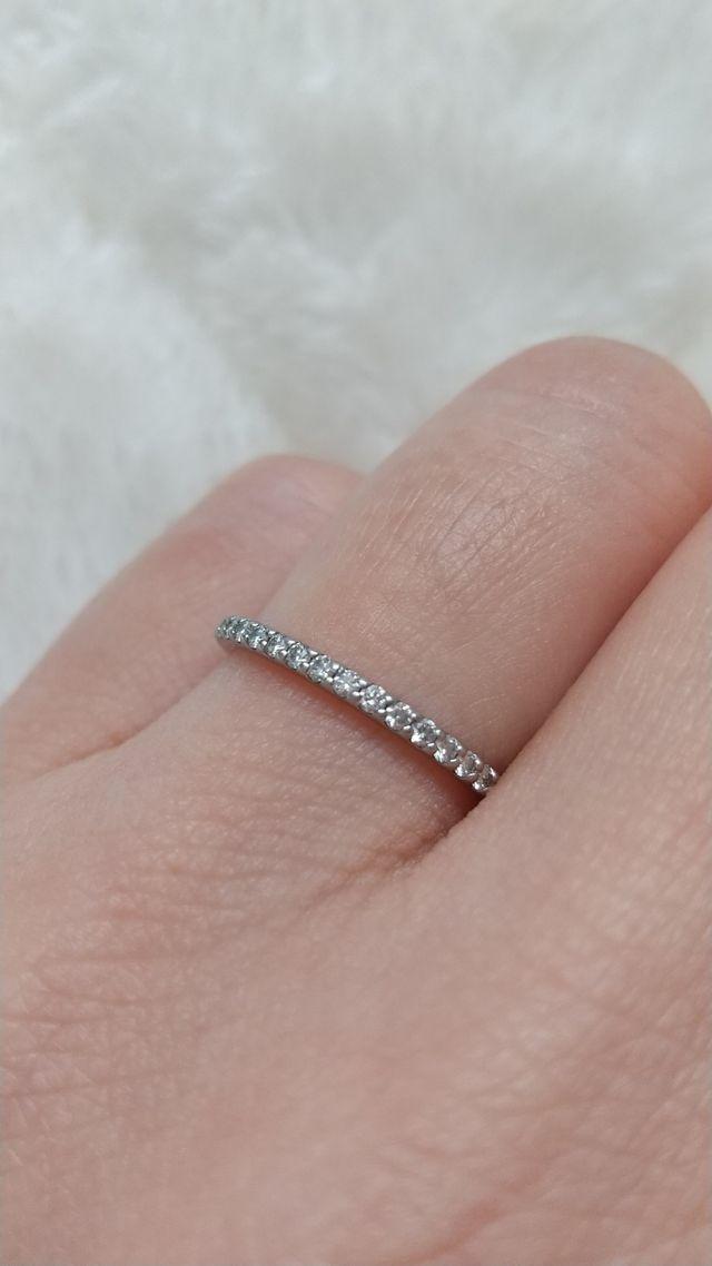 華奢なかわいい指輪です。