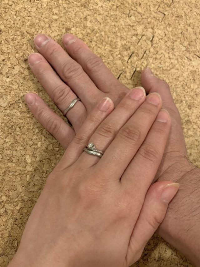 普段は結婚指輪のみ、婚約指輪は特別な日に付けています‼︎