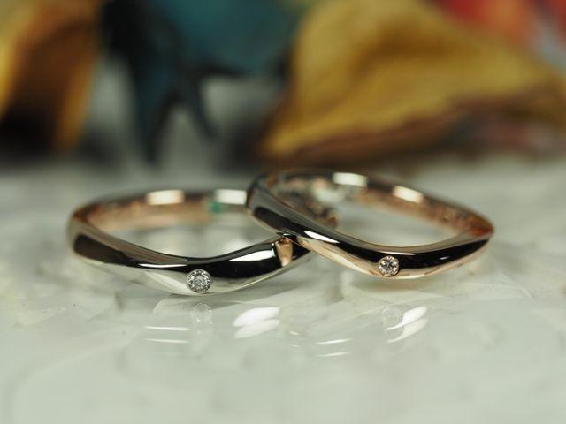 結婚指輪。ブラックとピンクゴールドを繋ぎ合わせて貰いました。