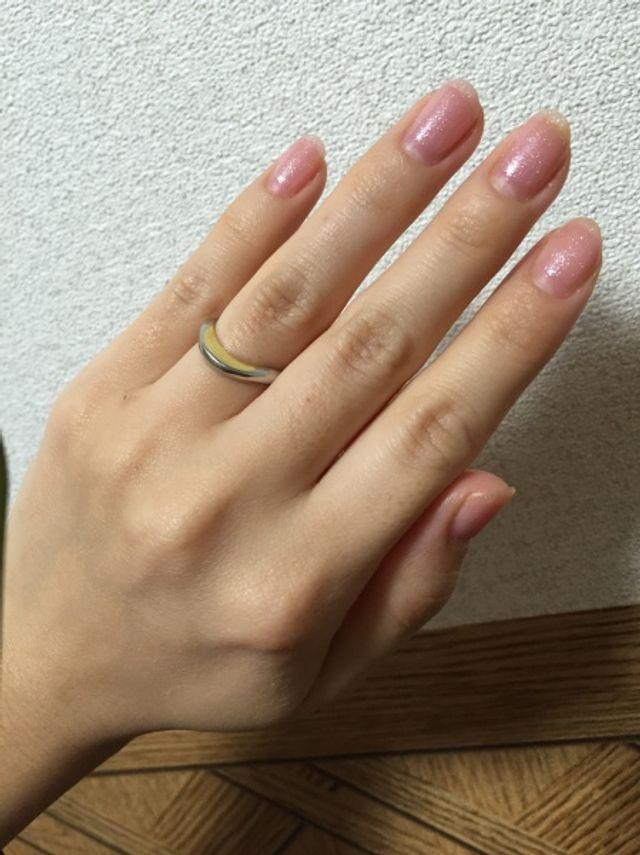 上弦の月という名前の指輪。苗字にちなんで、選びました。