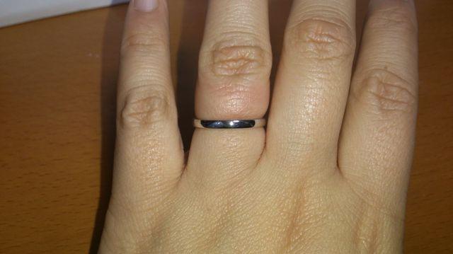 シンプルな結婚指輪!