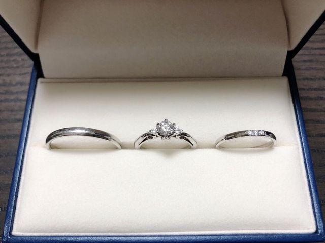 婚約指輪は銀座点限定品を購入しました。