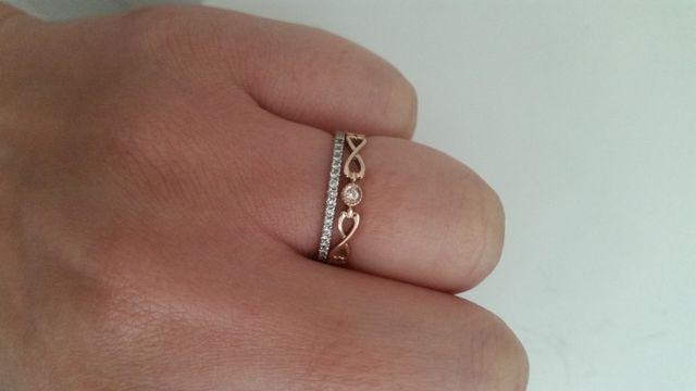 プラチナダイヤモンドとピンクゴールドのリングです。