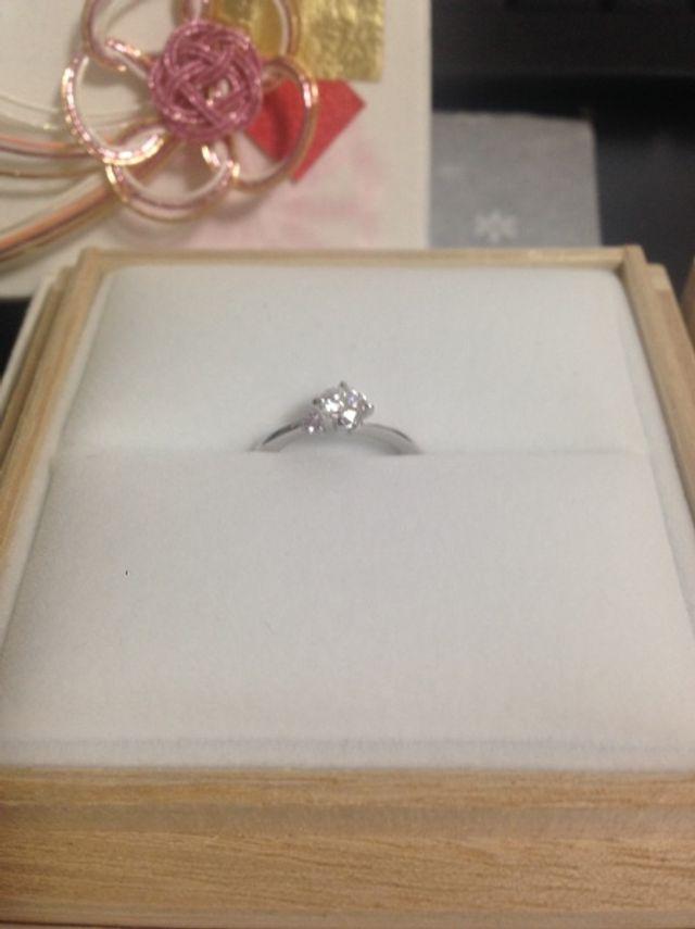 憧れの、ピンクダイヤ付きの婚約指輪!