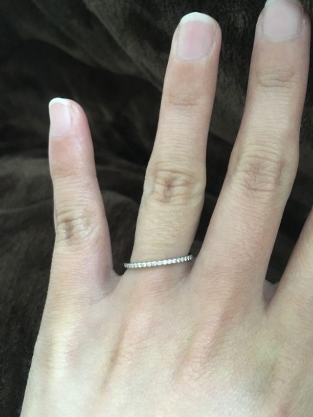 半分ダイヤが施してあります。