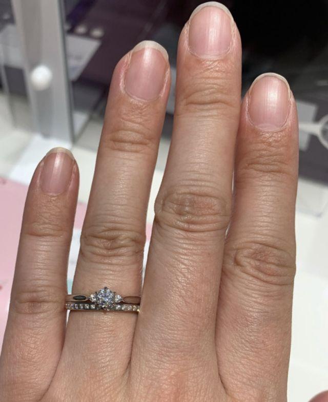 下が結婚指輪かれんです。
