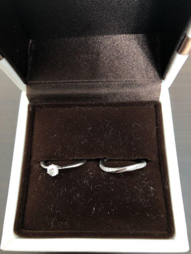 細身の華奢な指輪が欲しかったのでデザインに惹かれた