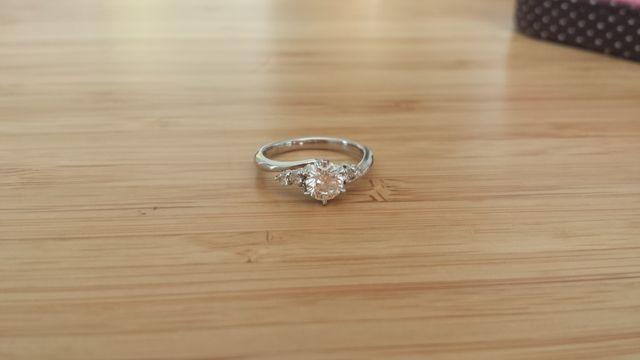 ダイヤは主人が選んでくれ、私が枠を選択しました!