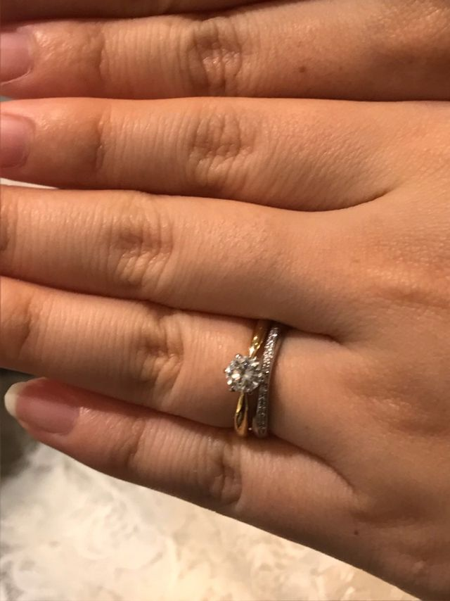手持ちの婚約指輪(ダイヤモンド)と重ね付け