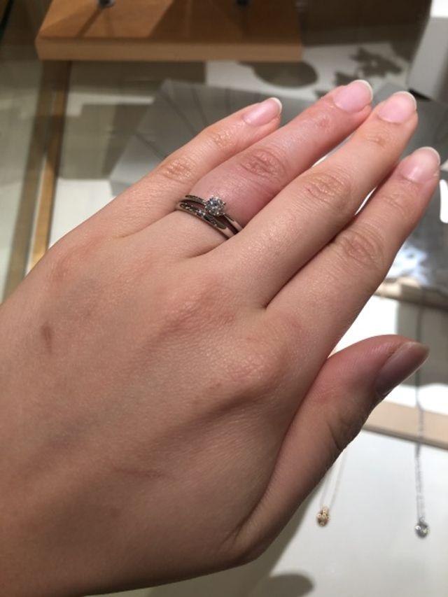 おすすめしてくださった結婚指輪との重ね付け