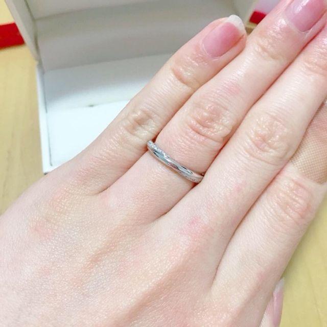 さりげなくダイヤが見えるデザインがお気に入り♪