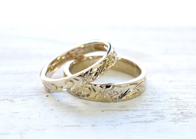 指輪は大好きなハワイアン柄