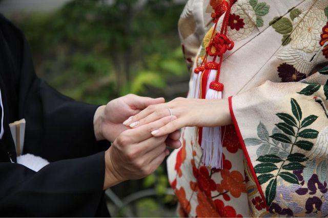 婚約指輪は、普段使いできるものを選びました