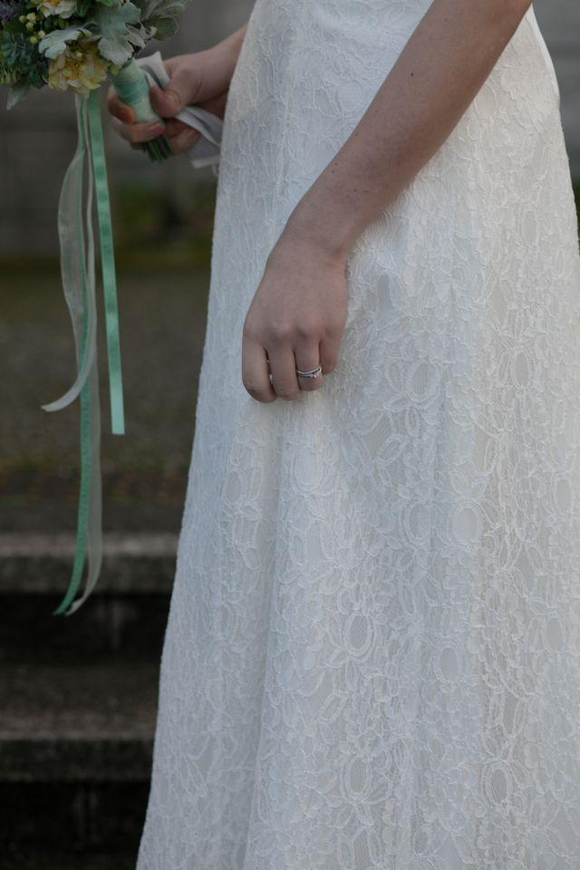 前撮りの時、婚約指輪と結婚指輪着用