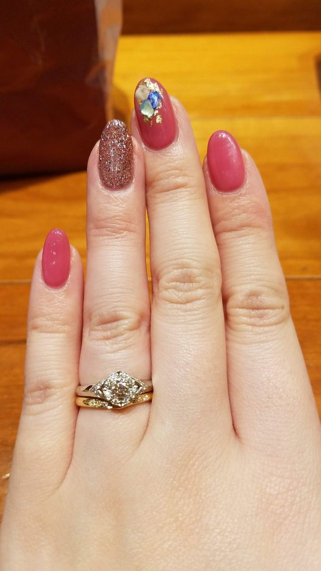 Vラインの結婚指輪なら異なるブランドでもOK