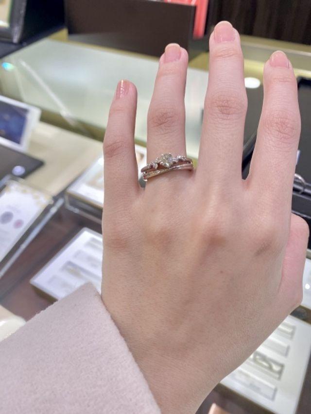 カペラの婚約指輪(下の結婚指輪もカペラ)