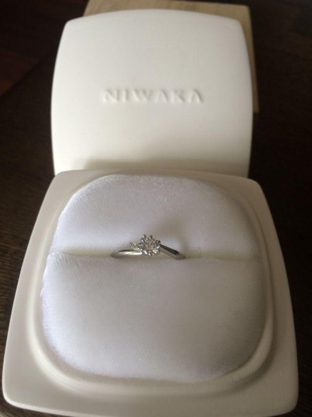 婚約指輪 月彩