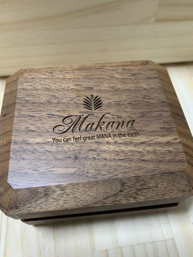 マカナのリングはケースまでハワイっぽくて可愛いです
