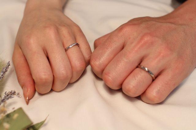 指輪が出来上がり、アツタで撮っていただきました。