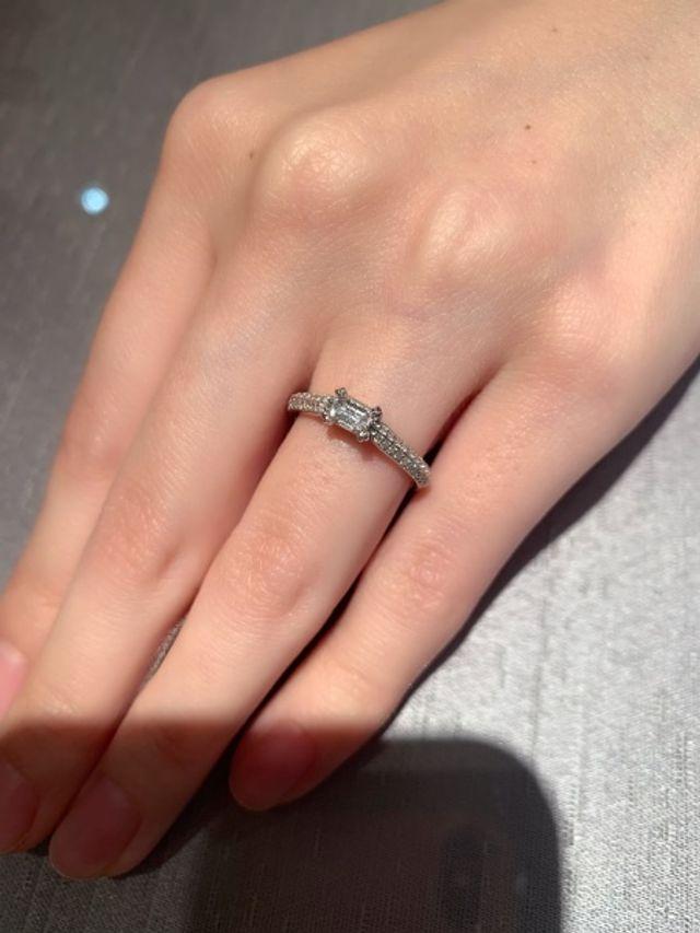 sienaの婚約指輪 プラチナ
