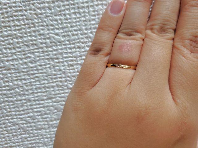 細めの指輪ですが違和感なくつけられました。