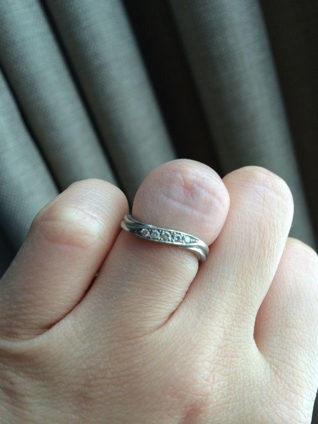 婚約指輪は無しでダイヤ入りに