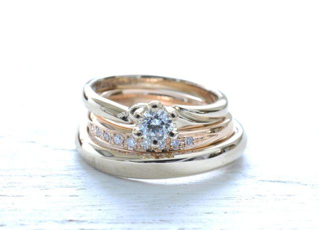 婚約指輪と結婚指輪 全て手作りで、重ね付けをしても可愛い。