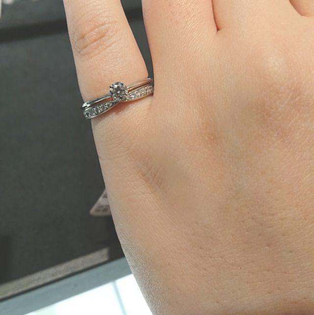 結婚指輪との重ね付けイメージ
