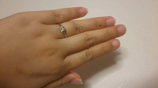 桜ダイヤモンドと言うのですが綺麗なダイヤですごく輝いて綺麗!