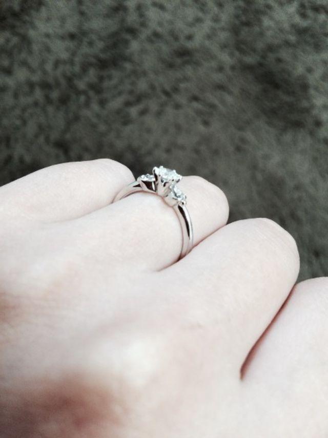 婚約指輪(側面)