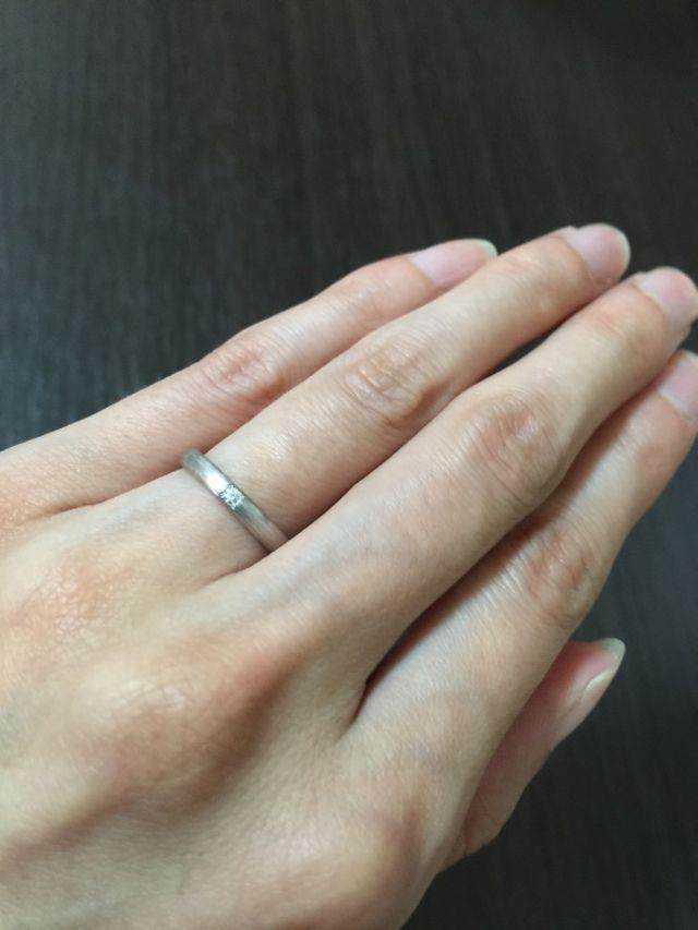 シンプルリングにひと粒のダイヤ