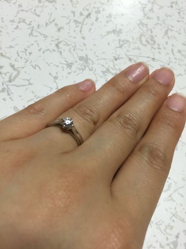 4℃の婚約指輪です。