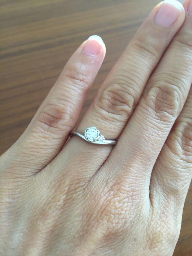 指輪のアップ。