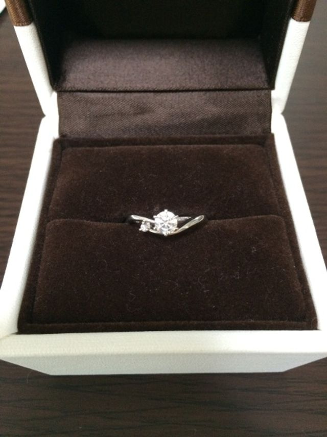 婚約指輪正面