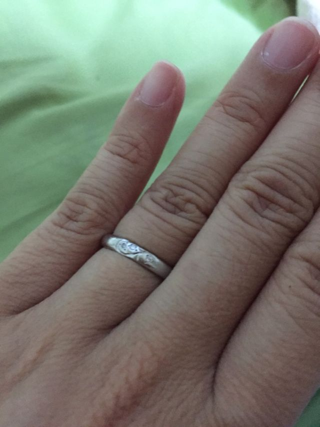 実際指輪をはめている写真2