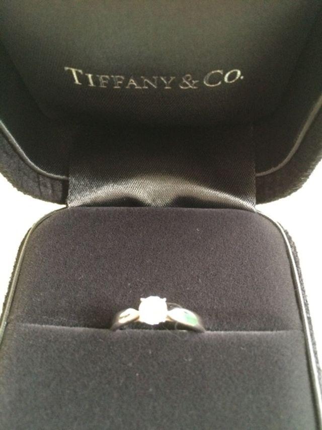 ティファニーのダイヤの婚約指輪