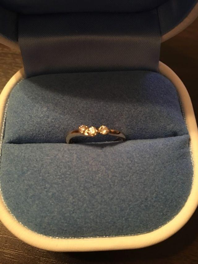 ダイヤの輝きが綺麗なイエローゴルドのリング